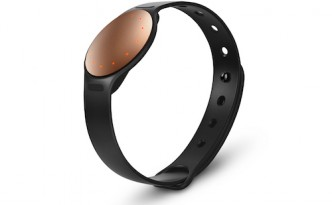 Get back on fitness track with Misfit Shine 2
