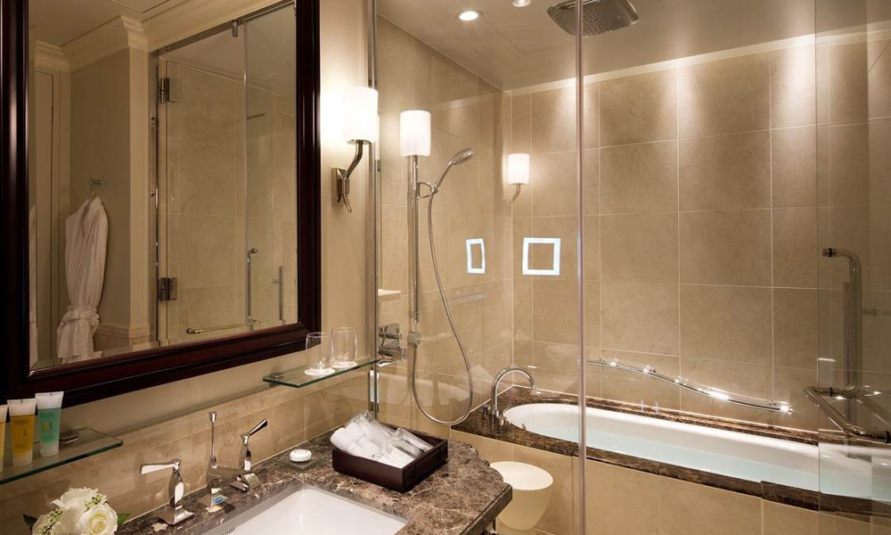 The Tokyo Station Hotel - Bathroom